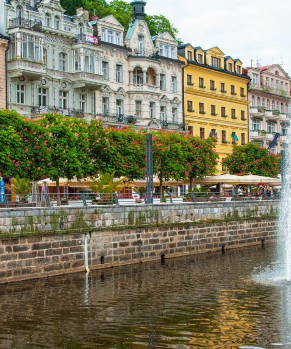 :Old town of of Karlovy Vary, Czech Republic
